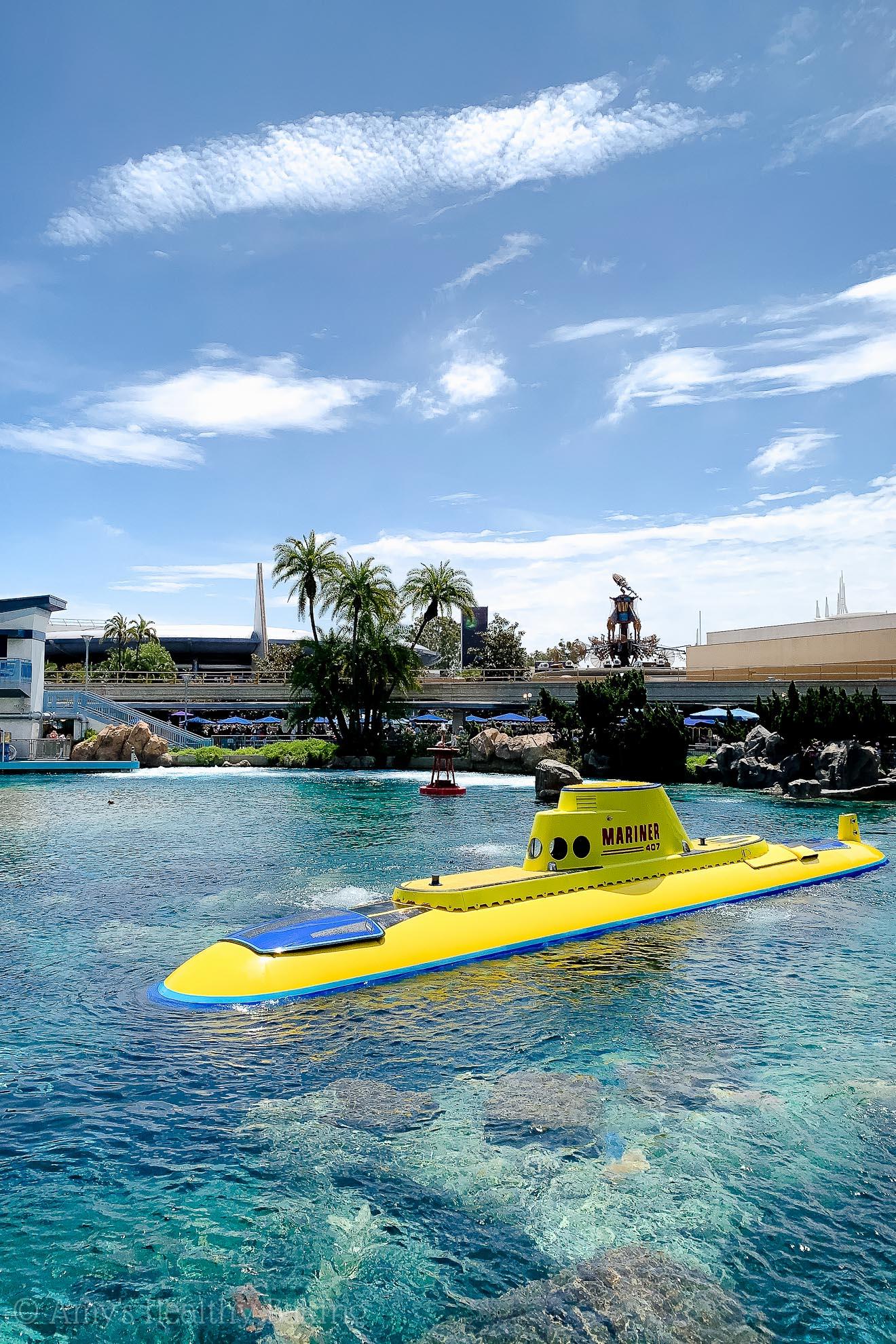 Finding Nemo's submarine ride in Disneyland - Anaheim