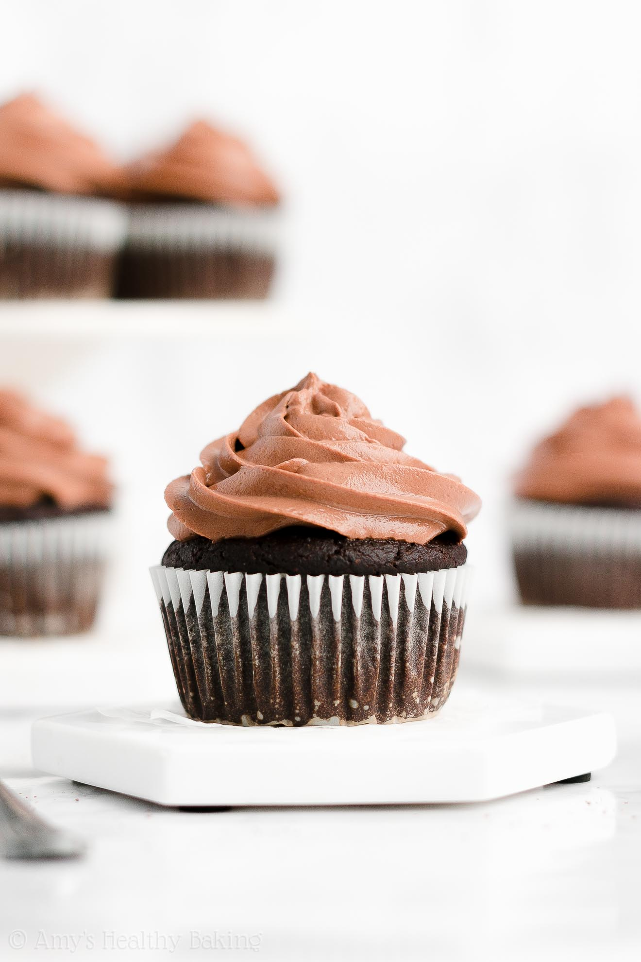 Best Easy Healthy Clean Eating Low Calorie Moist One-Bowl Chocolate Cupcakes