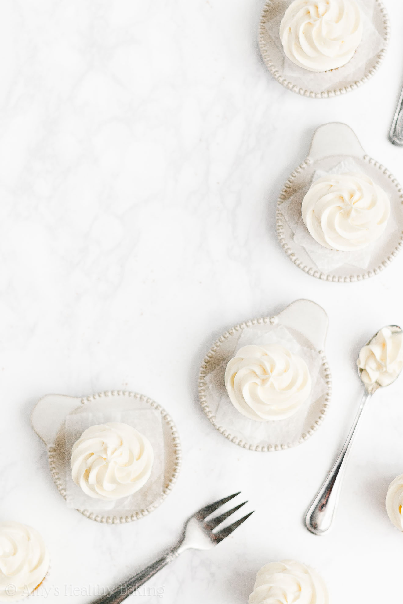 Healthy Mini Pumpkin Cupcakes + Sugar Free Greek Yogurt Cream Cheese Frosting