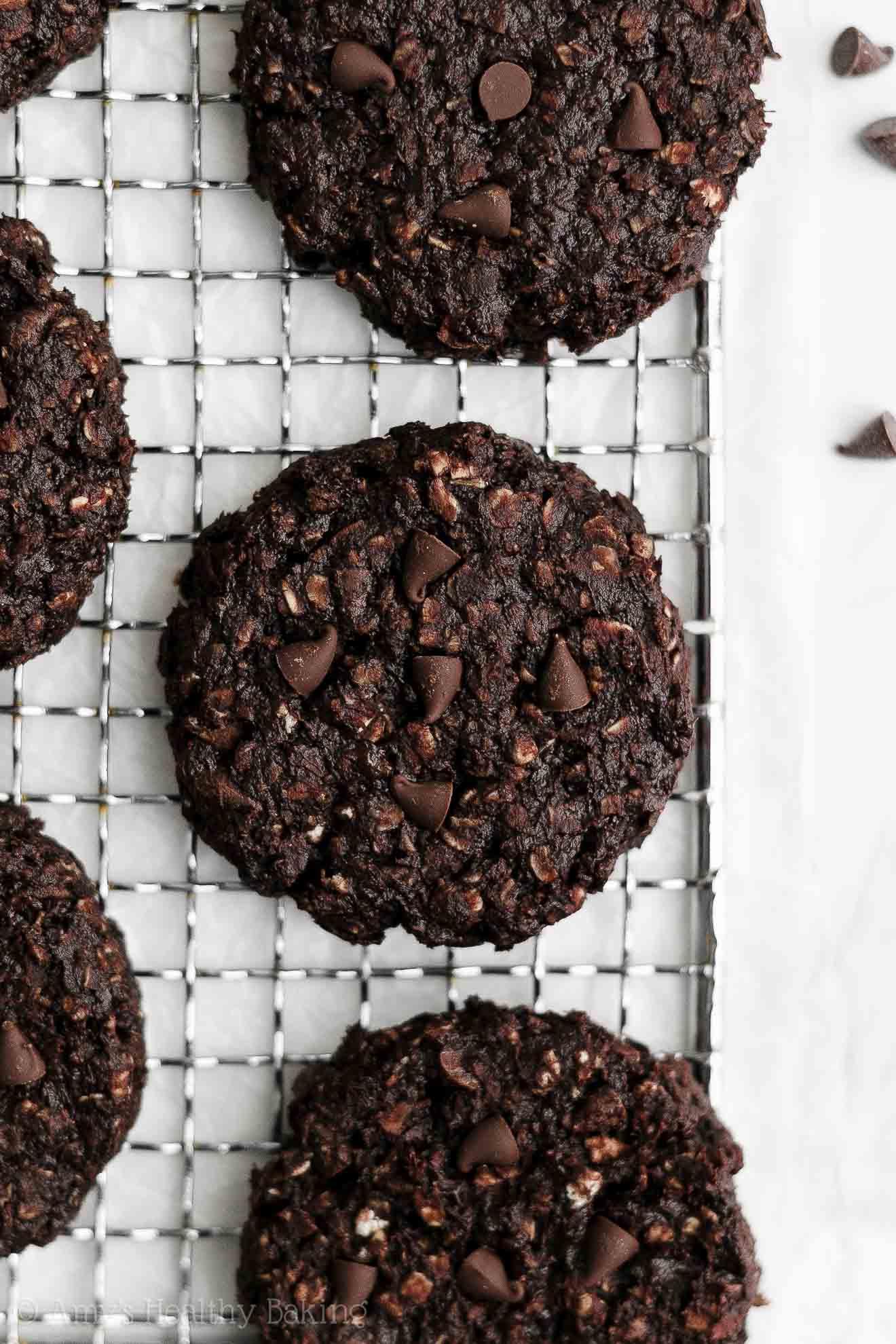 Healthy Dairy Free Flourless Eggless Dark Chocolate Banana Oatmeal Cookies
