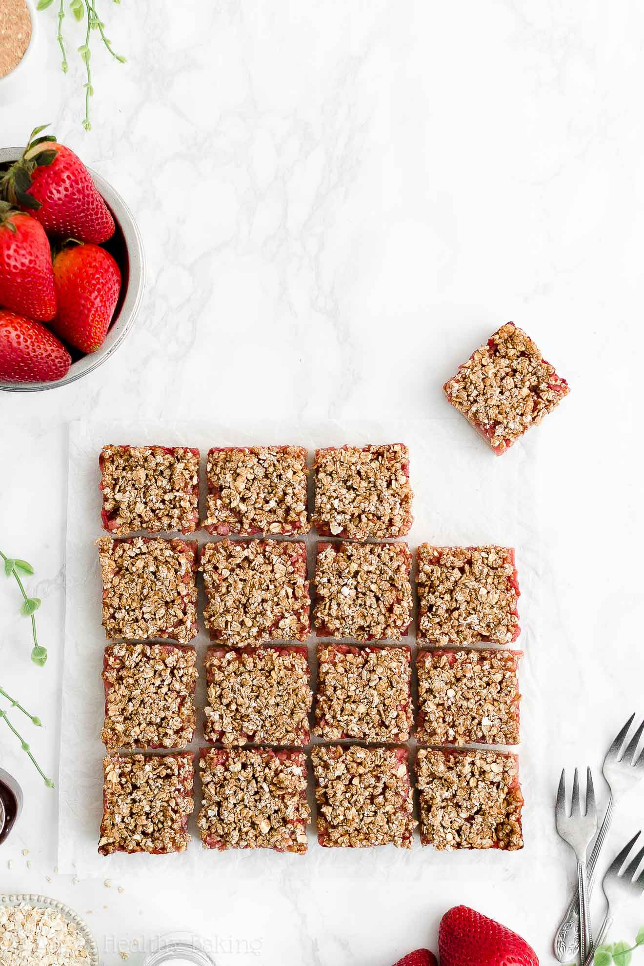 Best Easy Healthy Low Calorie Gluten Free Vegan Strawberry Oat Crumble Bars