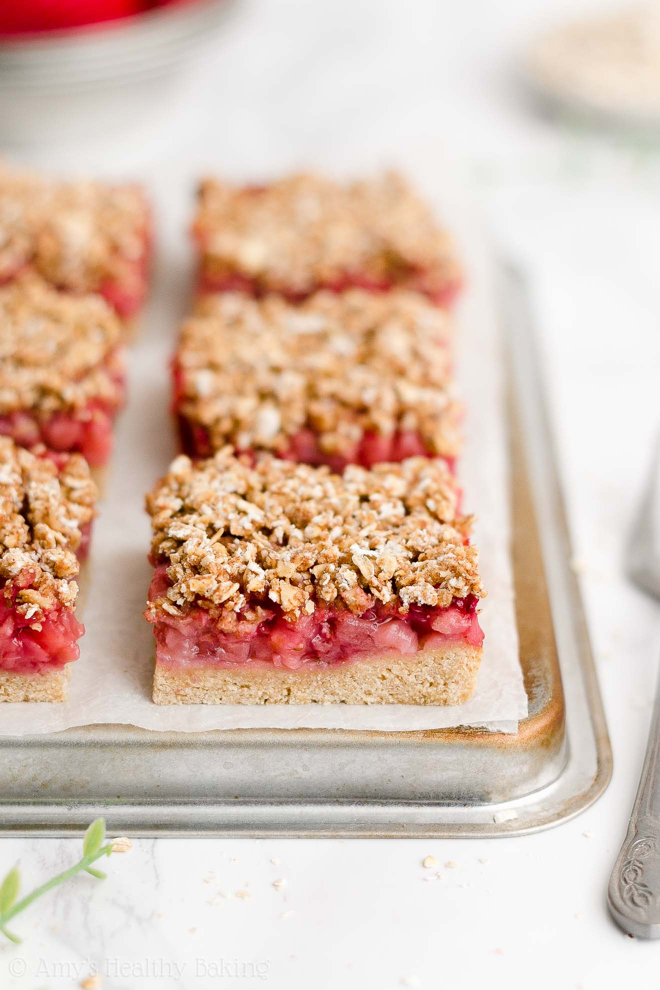 Best Healthy Clean Eating Low Calorie No Sugar Strawberry Oat Crumble Bars