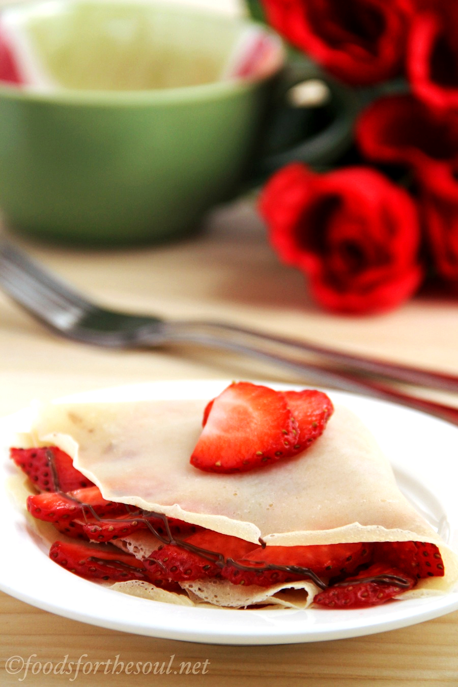 how to make crepes at home without eggs with strawberries & nutella